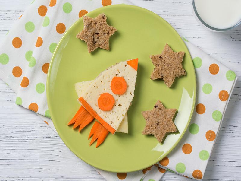 Kids' morning toast food art