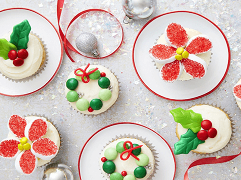 Traditional Christmas Desserts.Traditional Christmas Desserts For You